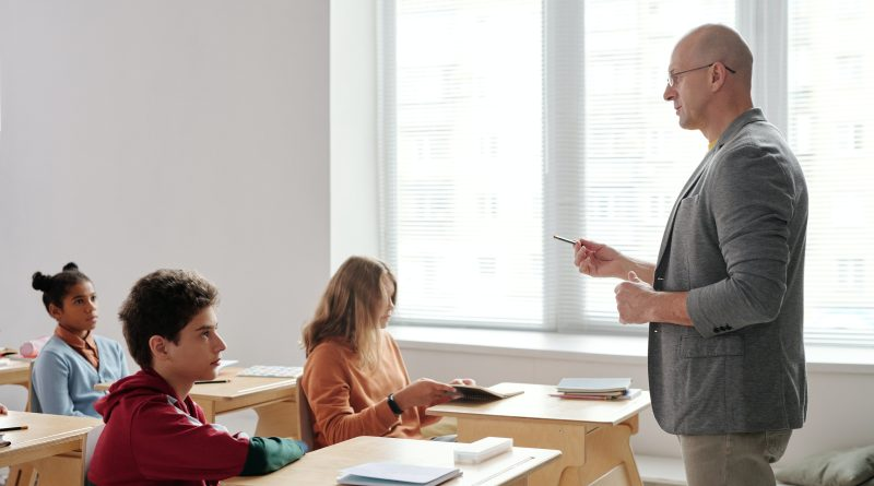 So zvyšovaním platov učiteliek a učiteľov sa zatiaľ v rozpočte nepočíta
